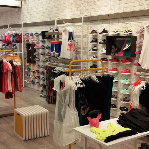 9c4d111a8 Montagem de loja de roupas - Wiring